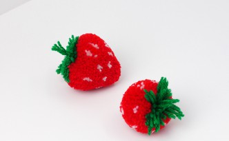 strawberry-pompom